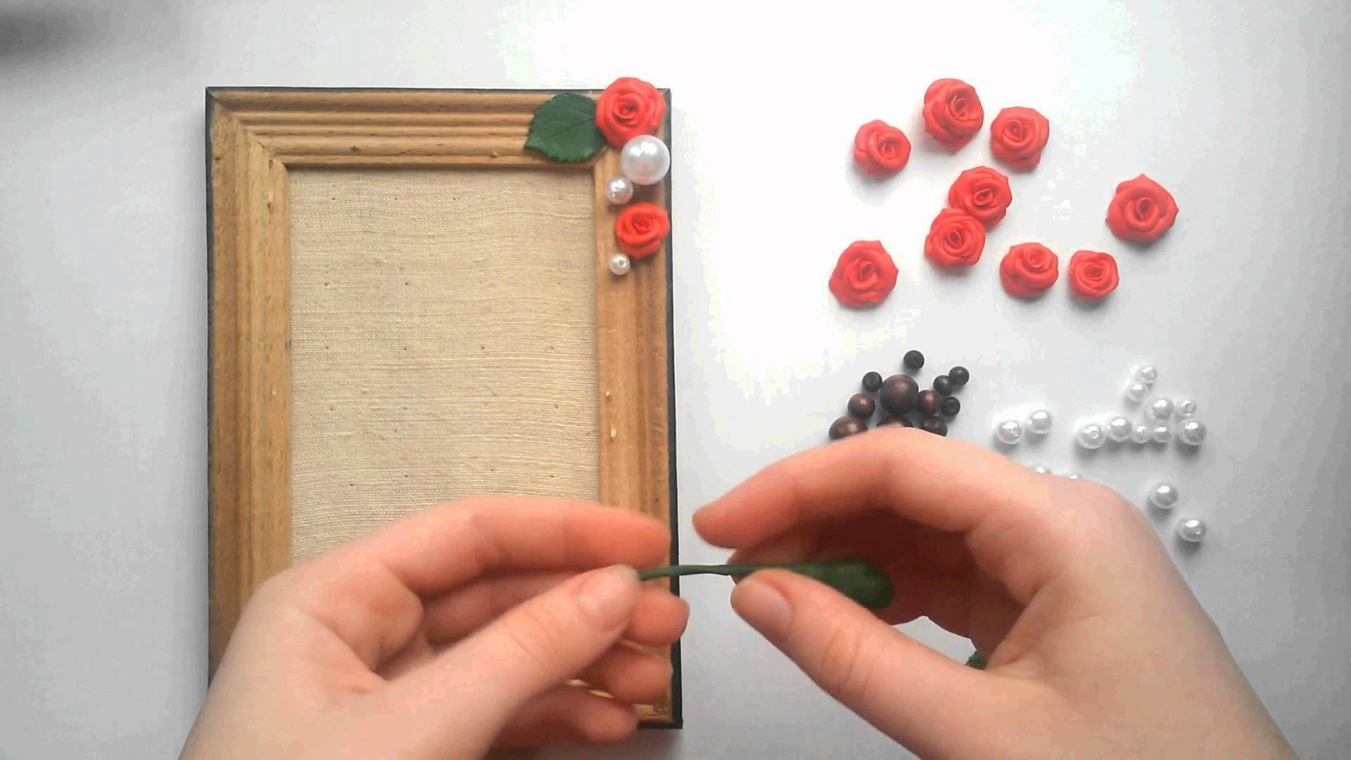 МК: Декор рамки розами из пластики. DIY: Picture frame decor by roses from polymer clay