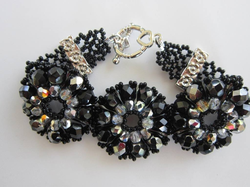 How to make Bracelet with Twisted Bugle and Faceted Beads . Браслет из бисера и камней 4мм и 6мм .
