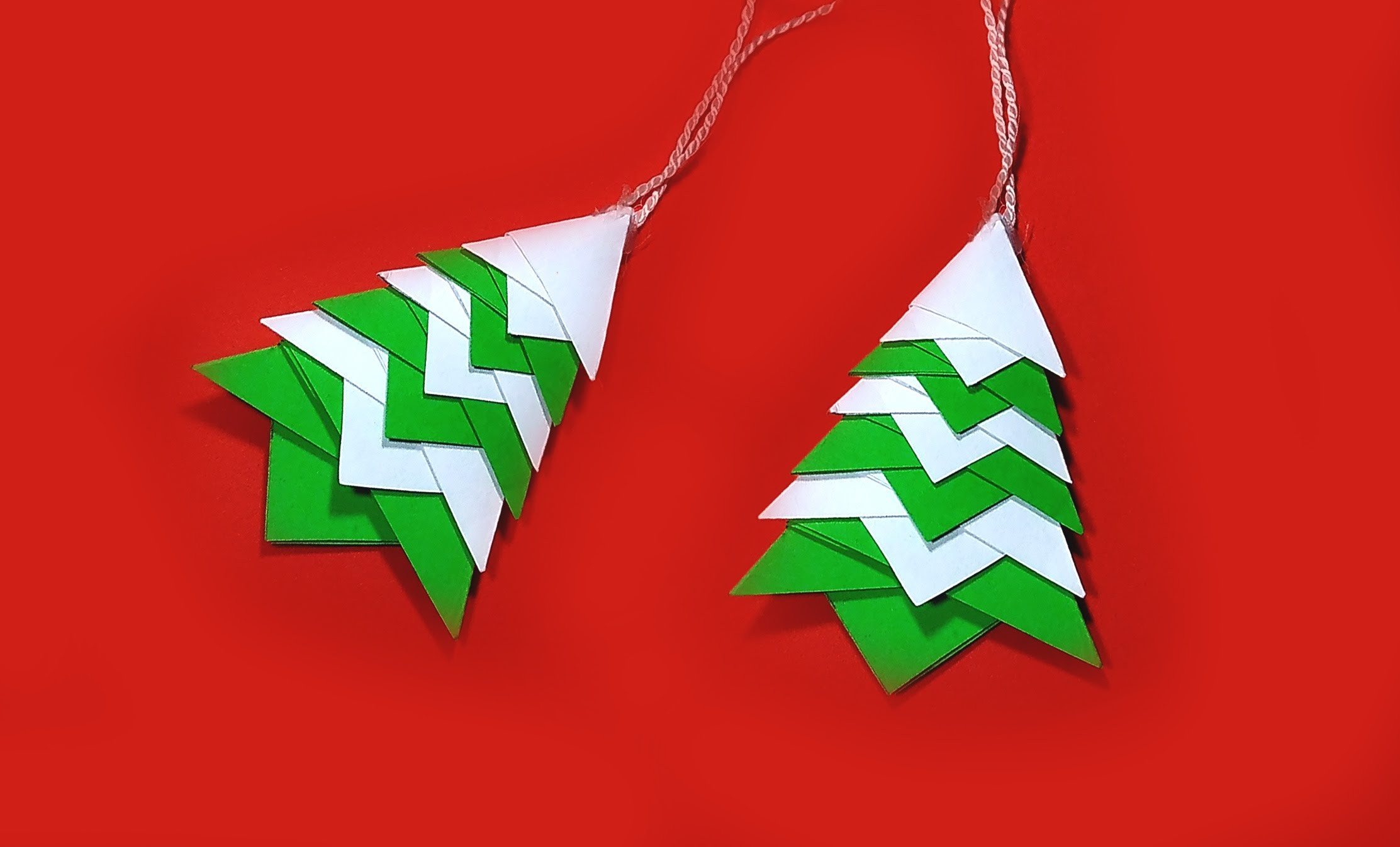 Quick origami Christmas tree! Great ideas for Christmas decoration and ornaments
