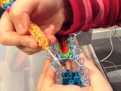 Как Сделать Перчатку Из Резинок ( Часть 3 ) Rainbow Loom Bands.Glove