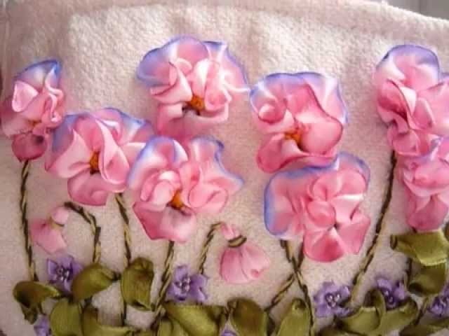 """Косметичка"""" Анютины глазки""""**embroidery ribbons**"""
