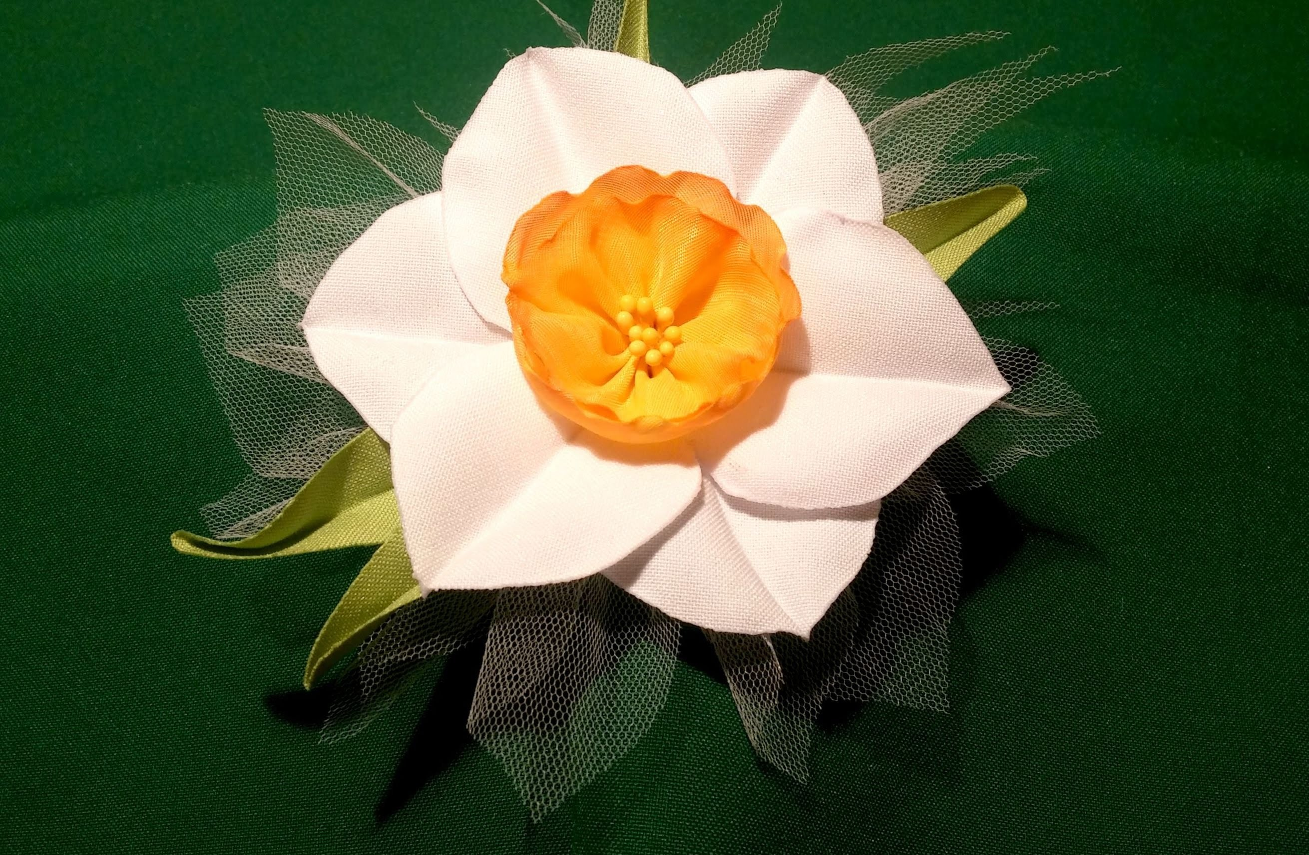 Fabric flowers how to make:narcissus.very easy tutorial.Цветы из ткани: нарцис - очень легко!